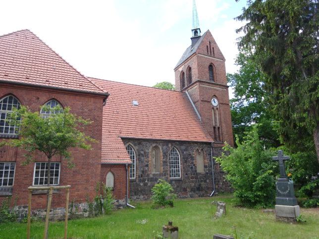 Kirche Berlin-Heinersdorf